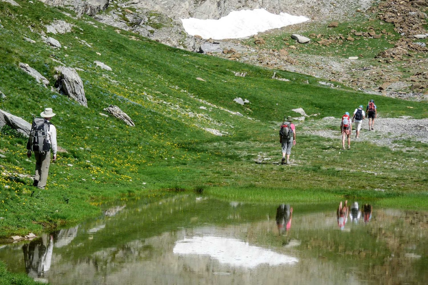 hiking spanish pyrenees national parks