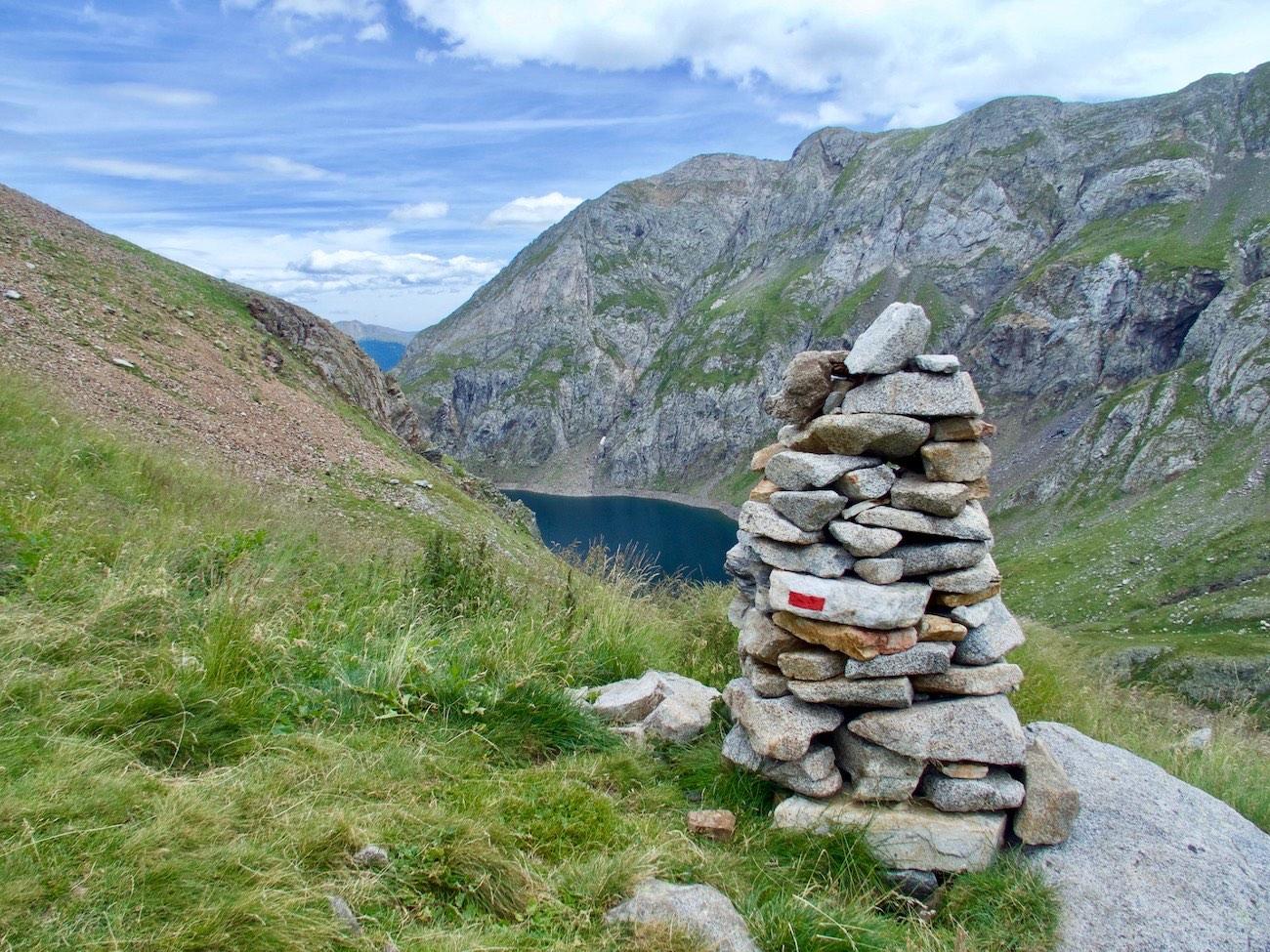 Pyrenees trekking Llauset